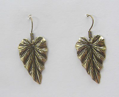 BEAUTIFUL LEAF SHAPED GOLD PLATED EARRINGS WITH LOVELY DETAIL hook