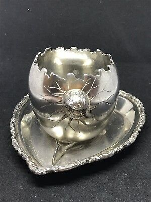 Antique Victorian Aesthetic Meriden Chick Egg Cup Silverplate .