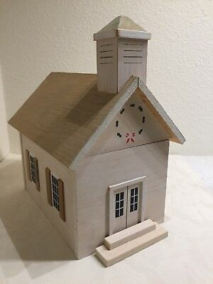 Pine Creek Collection Wooden WHITE CHURCH w/ CHRISTMAS WREATH Wisconsin