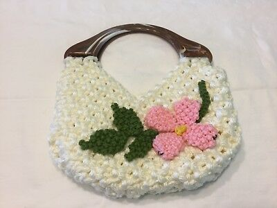 Macromae White Purse with Molded Plastic Handles Accento Craft Inc. USA