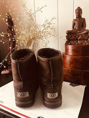 girls ugg boots size 3 authenthic
