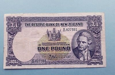 RESERVE BANK OF NEW ZEALAND - £1  1940/1955 one pound banknote Hanna