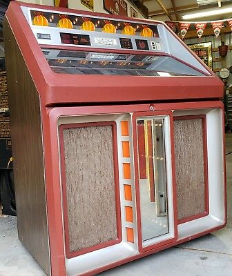 Very Clean Rowe R91 200 select Jukebox in NJ see video.