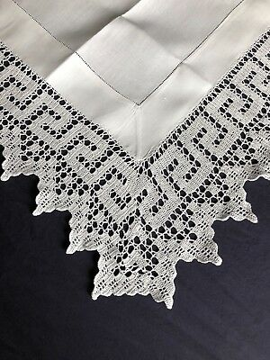 Superb Edwardian Vintage White Irish Linen Tablecloth Hand Crocheted Edging