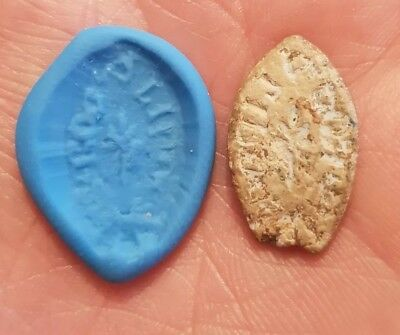 metal detecting find rare medieval lead vesica seal matrix with rubber mould