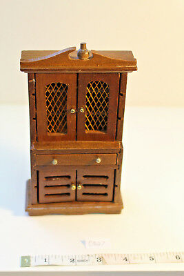 Doll House Miniatures Maple Wood Hutch w/ Wire mesh doors!! ***VINTAGE DR27