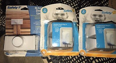 Lot of 3 Safety 1st Child Proofing Outlet Covers / Locks