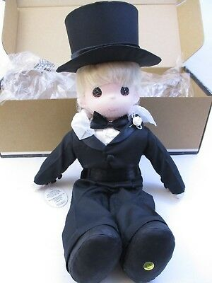 "1998 PRECIOUS MOMENTS - CLASSIC DOLL 16"" - ""GROOM"" - w/BOX w/CERTIFICATE (6D)"