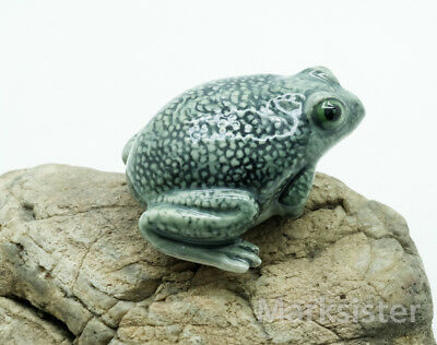 Figurine Animal Ceramic Statue Toad Frog - CAF031