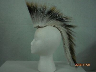 Porcupine Roach, White, 15 inch in/ out, White  Yarn Base