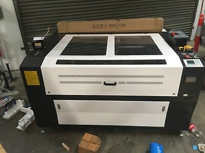 1300mm x 900mm Co2 130w USB Laser Engraving and Cutting Machine. Metal
