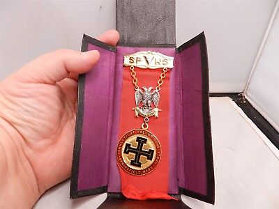 Connecticut Valley Consistory Knights of Columbus Medal Badge Masonic
