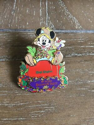Scarecrow Mickey Passholder Pin Not So Scary Halloween Party 2007 DISNEY LE 4000