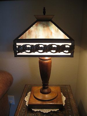 Antique Mission Style Arts and Crafts Blue/White Slag Glass Wood Base Table Lamp