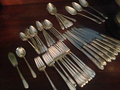 1847 Rogers Bros IS Silverplate ADORATION Service for 8 Flatware Set (50 pieces)