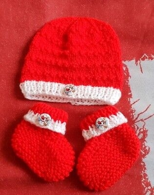 New hand knitted baby boots & Hat  in size newborn