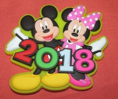 New Original Disney Mickey & Minnie Mouse Yellow Waving 2018 Soft Touch Magnet