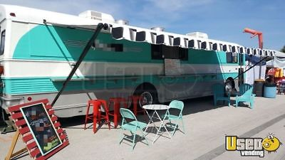 Amazing Loaded Food Truck Mobile Kitchen Catering Bus for Sale is Missouri!!!