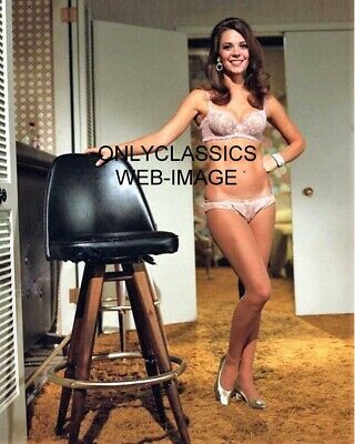 1969 Sexy Actress Natalie Wood In Underwear Garments 8X10 Photo Pinup Cheesecake