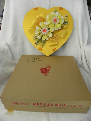 Vtg 1968 Whitman's Chocolates Valentine's Day Gold Satin Heart-Shaped Box