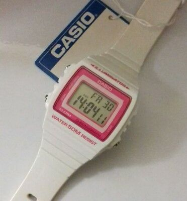 VINTAGE OLD STOCK Casio Watch LCD Digital Quartz Full Working Order White Retro
