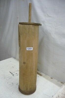 1251. Altes Butterfass Holz Fass Holzfass Old wooden barrel
