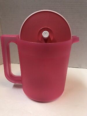 Tupperware CLASSIC SMALL PITCHER 2QTRS +/- 2L - Push Button -  New *