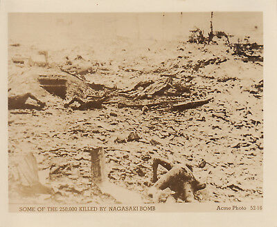 Original WWII Photo JAPANESE KILLED BY ATOMIC BOMB BLAST NAGASAKI 1945 JAPAN 148