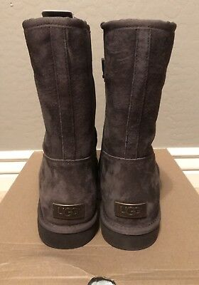 52b8564356e NWT NEW WOMEN'S UGG Size 11 Celvin Classic Boot Chocolate Brown