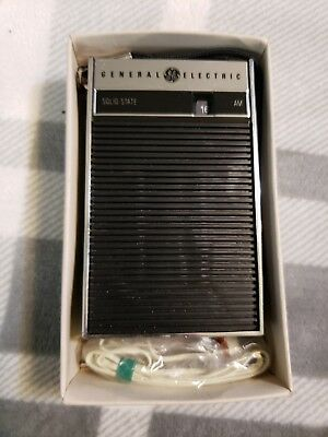 Vintage General Electric Portable Transistor Radio P2790 New In The Box!!!