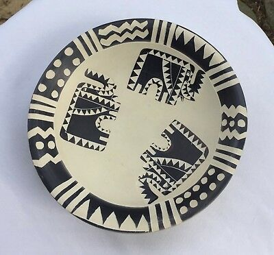Hand Carved Made in Kenya Elephants bowl heavy thick