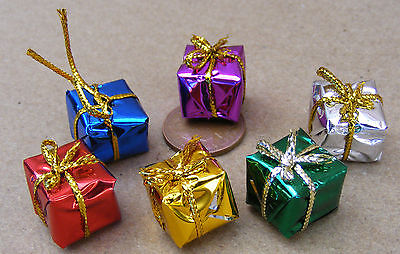 1:12 Scale 1.5cm Cube Wrapped Christmas Presents Dolls House Accessories 2302