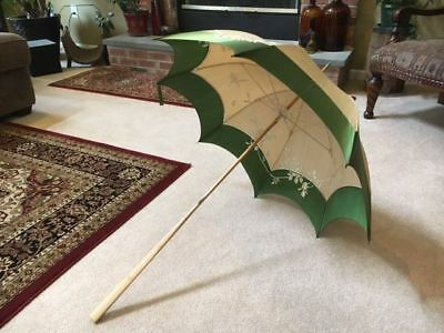 Aboslutely Beautiful Vintage Silk Parasol!  Green and Tan with Wooden Handle!