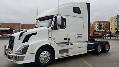 2012 volvo vnl 670 Thermo king APU 1.450 hours