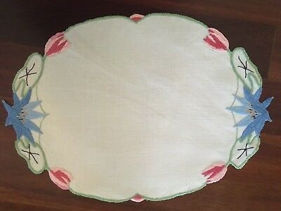 Pretty vintage linen embroidered Waterlily Lotus Tulips Centrepiece Doily Exc