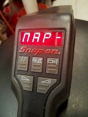 Snap-On Tools MT2261 Computerized Timing Light Tach/Advance