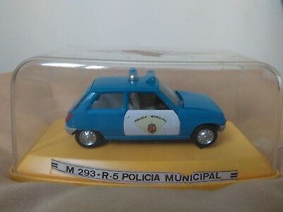 Antigua miniatura 1:43 Pilen M-293 Renault 5 Policía Municipal. Made in Spain.