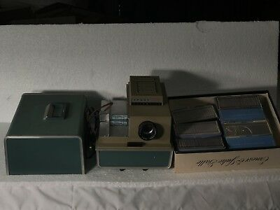 Vintage Argus 500 Automatic Slide Projector with lots of empty slides
