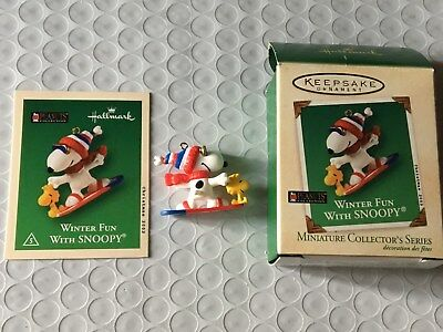 2011 Hallmark Keepsake Ornament Winter Fun w/ Snoopy Miniature Collector Peanuts