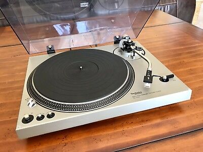 VINTAGE TECHNICS SL-1700 DIRECT DRIVE TURNTABLE - Working