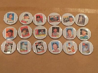 """Mickey Mantle Vintage Lot of 18 Pinbacks Reprints All of His TOPPS Cards 2-1/4"""""""