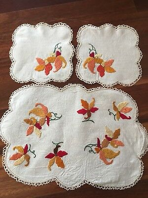 Pretty vintage linen hand embroidered Autumn Leaves 3 Doily Duchess Set Exc