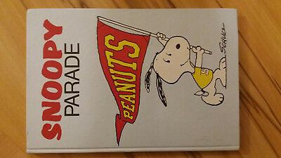 SNOOPY PARADE Comic-Buch Sehr guter Zustand HARDCOVER