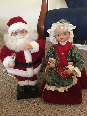 Telco Motionette 18 inch   Mr. and Mrs. Claus!