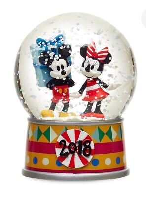 Disney Store 2018 Boxed Mickey and Minnie Mouse Holiday Snowglobe Fast