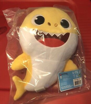 NEW Pinkfong Baby Shark Official English Version Song Doll - Yellow Baby Shark