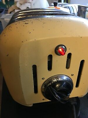 Dualit 1960's vintage retro 4 slice auto toaster. pale yellow and chrome
