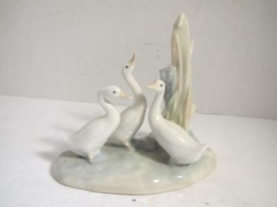 Vintage (1977) Nao By Lladro Group Of 3 White Ducks/geese
