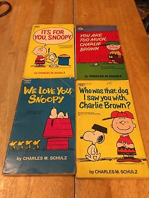 Lot of 4 Peanuts Charlie Brown Snoopy Charles Schulz Paperback Books 60s-70s