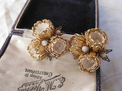 Pretty Vintage 1950s Decorative Gold & White Clip On Earrings